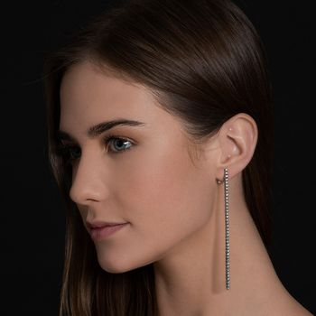voyeur-long-earing-18k-black-rhodium-llb-diamonds-model